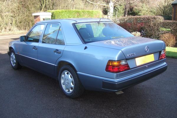 Classic mercedes benz 260e may 1992 4 speed for Vintage mercedes benz parts